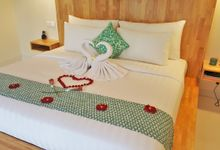 Honeymoon arrangement in the room by Theanna Eco Villa and Spa