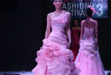 SPRING SUMMER 2013 LA VIE EN ROSE - Esmod Jakarta Fashion Festival by Albert Yanuar
