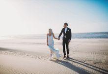 KELLY & MARTIJN ON THE BEACH by Ana Gregorič photography