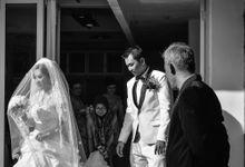 Courtesy of Wedding Day Ningsih and Aji by RWP Photocinema