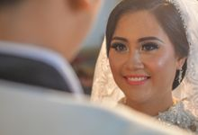 Courtesy of Wedding Day Ningsih and Aji by RWP Photocinema
