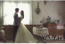 Keep your romantic love alive - Indoor by Wish & Co.