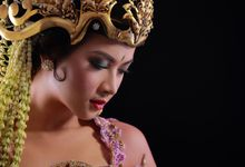 TRADISIONAL by FEMI APRIL MAKE UP