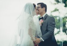 luxury tirtha uluwatu private wedding by Valyn Photography