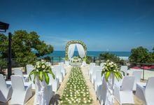 Wedding at FuramaXclusive by FuramaXclusive Ocean Beach Seminyak