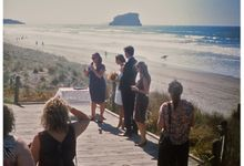 Wedding on the beach in New Zealand by Stereo Photo Album