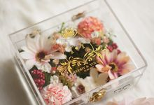 Wedding Ring Box with Flower by NINbox.box
