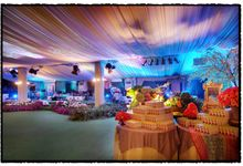 Beautiful Wedding Light from Aliya & Ibas by Etcetera Lighting