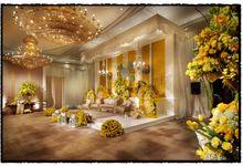 Beautiful Wedding Light from Lutfi & Arvi by Etcetera Lighting