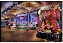 Beautiful Wedding Light of Andrew & Agnes by Etcetera Lighting