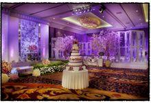 Beautiful Wedding Light of Martin & Karsilia by Etcetera Lighting