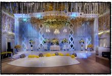 Beautiful Wedding Light of Leonel & Grace by Etcetera Lighting