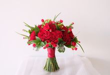 Red Rose Garden Bouquet by Il Fiore