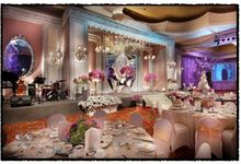 Beautiful Wedding Light of Henry & Imelda by Etcetera Lighting