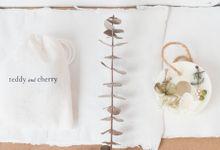 Botanical Wax Sachet   Arrangement Style by Kaminari