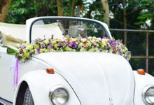 Bridal Car by Dave and Khey Floral Arrangement