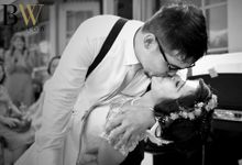 Adit & Putri Wedding in Black and White by Glow Photostory