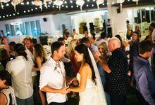 Wedding Party by Monoklino Photography