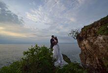 Golden Times Photo shoots at Tegal Wangi beach Jimbaran Bali by Tjandra Photography Wedding Experience