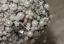 Here Comes The Bride by Brooch Centerpieces on Etsy!