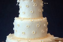 Wedding Cakes by Angelyncakes