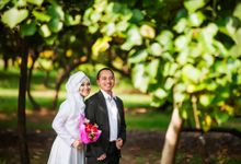 Fiqi & Fenty Prewedding Photo by Abstract Photography