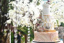 Elegant & Contemporary - Grand Hyatt OnFive by Ivoire Cake Design