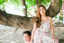 Christian and Cat Engagement by Raychard Kho Photography