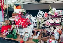 Madhatter's Party Themed Shoot x Melissa Koh by Ever & Blue Floral Design
