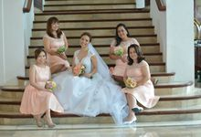 THE BRIDE WITH HER GROOM AND ENTOURAGE by Peter Lim