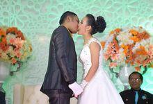 Wedding Ceremony by Erick Matahine