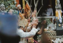 DEWI & ARYA BALINESE TRADITIONAL WEDDINGS by Jivo Huseri Film