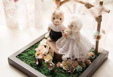 Erwin & Tasha ring holder by Signature Wedding Details