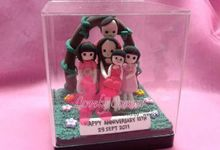 Customize Figure in acrylic box by Lovely Corner Clay