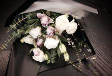 Fresh Flower Bouquet by La Belle Vie flower