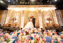Gold Arch Classic in Style by Joelle Decoration