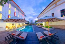 Swimming Pool by HARRIS Hotels & Conventions Denpasar