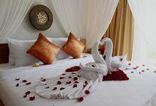 Romantic candle Light Dinner for Honeymoon by Anulekha Resort & Villa