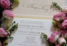 Hardjo & Venny - Elegant Gold invitation by Bluebelle Invitations