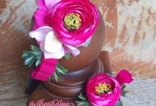 Flowery accessories by KreasiYaya