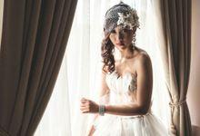 White Swan by LOTA | LAURENT AGUSTINE