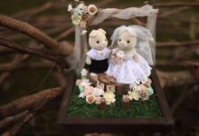 Erwin & Tasha ring holder by Signature Wedding Details