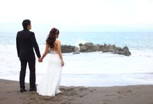Prewedding At Beach by Red Studio