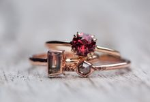 Alternative engagement rings by Gardens of the Sun