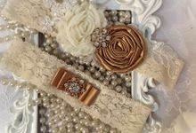 Bridal Garters by iWedding World