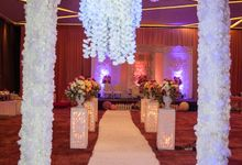 Modern-romantic wedding decoration by Menara Top Food Alam Sutera