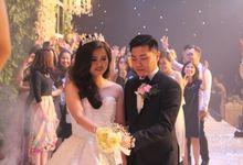 Wedding of Raymond & Novia 15 July 2017 by HARRIS POP Hotels & Convention Gubeng