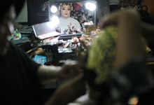Bride Preparation Ajeng and Chandra Wedding by Hexa Images