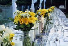 When White Meet Yellow by Bali Florista