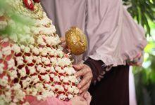 Sundanese Traditional Ceremony (Siraman) of Ichan & Zika by Memoira Studio